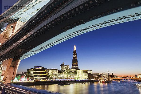 Abend,Architektur,Bauwerk,beleuchtet,City of London,England