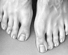 Nahaufnahme Bleistiftzeichnung von Füßen